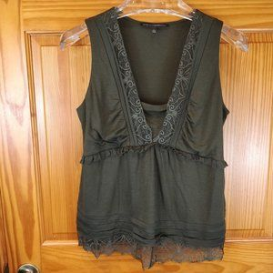 White House Black Market Green Lace Sleeveless Top